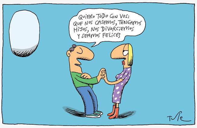 hombre y mujer hablan cogidos de la mano